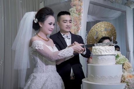 Suc hut ky la cua Cong Ly, Thuong Tin voi phu nu - Anh 5