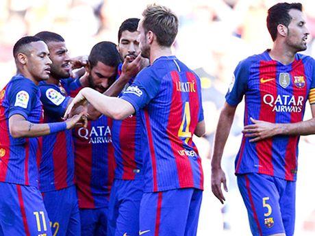 Barca lai khien Guardiola dau dau - Anh 1