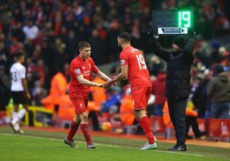 Dai chien Liverpool - Man United va nhung cai ten bi cho la tham hoa - Anh 3