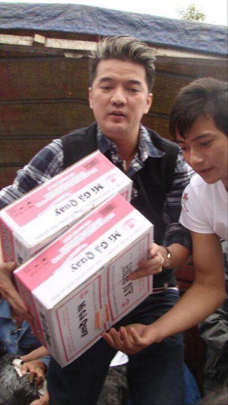 Khong noi suong, sao Viet hanh dong giup do dong bao mien Trung: Phan Anh gay quy duoc 2,2 ty - Anh 5