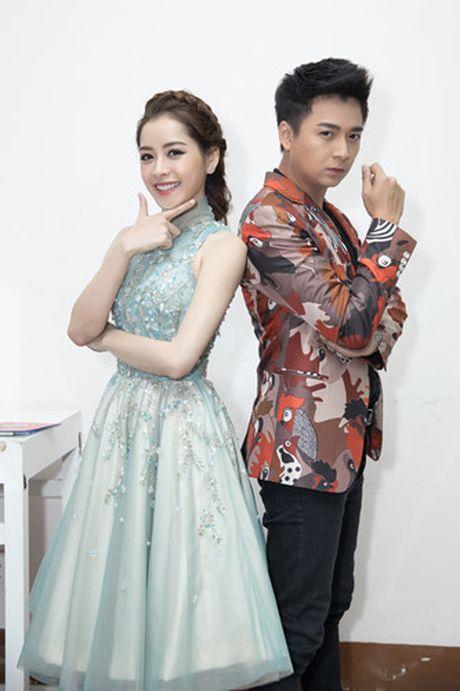 Chi Pu diu dang khi lam MC chuong trinh 'Giong hat Viet nhi 2016' - Anh 4