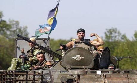Hoi chung Chien tranh Viet Nam tiep tuc lan sang Donbass - Anh 2