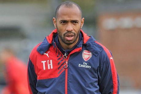 Henry chi ra nhan to giup Arsenal vo dich Ngoai hang Anh - Anh 1