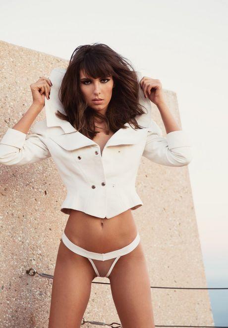 Ban gai tay dua F1 Jenson Button khoe do bikini nhu goi moi - Anh 9