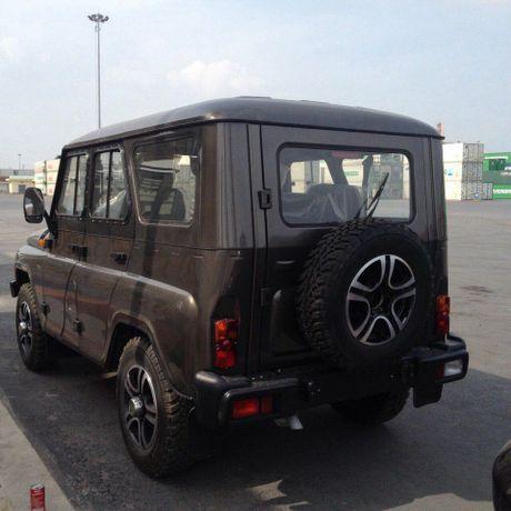Can canh lo xe Nga UAZ sap ra mat Viet Nam tai cang Hai Phong - Anh 10