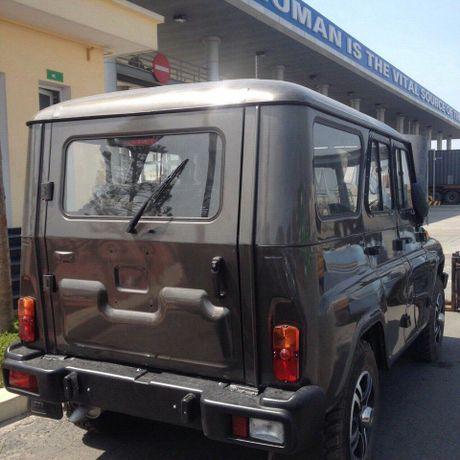 Can canh lo xe Nga UAZ sap ra mat Viet Nam tai cang Hai Phong - Anh 11