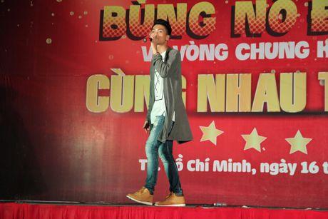 Bung no dam me cung sinh vien Truong DH Sai Gon - Anh 6