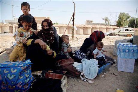 LHQ canh bao cuoc chien tai Mosul co the khien 1 trieu nguoi phai so tan - Anh 1