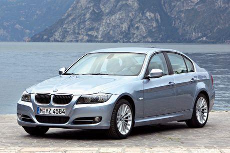 Hon 1300 xe BMW Series 3 tai Viet Nam bi trieu hoi do loi tui khi - Anh 1