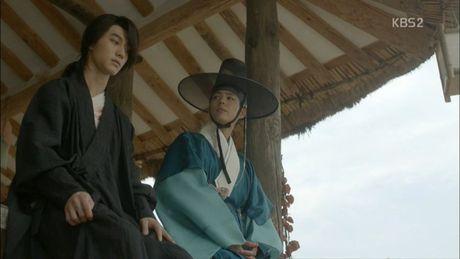 'Thai tu' Park Bo Gum bi dau doc khong ro song chet - Anh 3