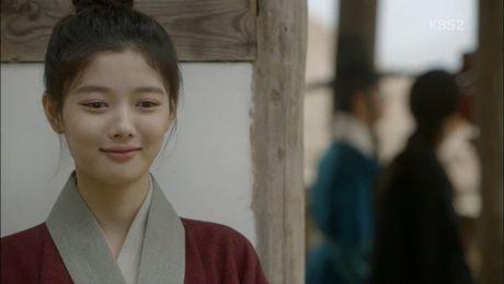 'Thai tu' Park Bo Gum bi dau doc khong ro song chet - Anh 4