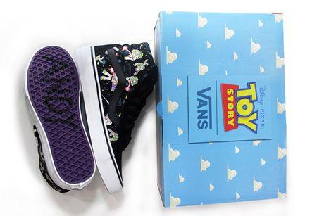 Da xac dinh ngay len ke BST Vans Toy Story! - Anh 8