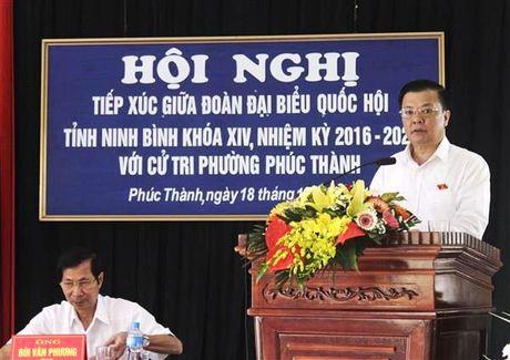 Bo truong Dinh Tien Dung tiep xuc cu tri TP. Ninh Binh - Anh 2