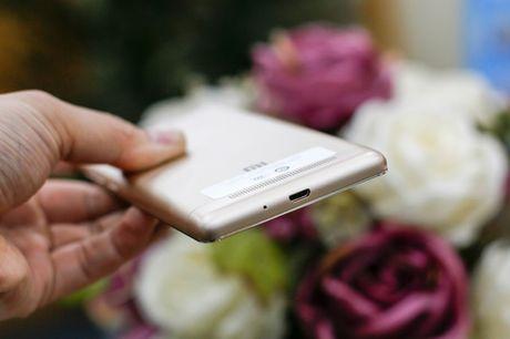 Tren tay dien thoai Xiaomi Redmi 3S - Anh 8