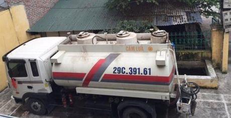 Vu buon lau 9000l xang may bay: 'Sep' QLTT Hung Yen bi ky luat - Anh 1