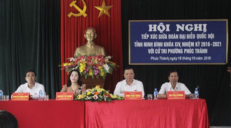 Bo truong Dinh Tien Dung tiep xuc cu tri phuong Phuc Thanh, TP. Ninh Binh - Anh 2