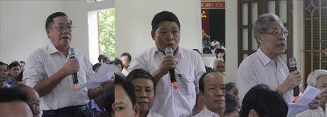 Bo truong Dinh Tien Dung tiep xuc cu tri phuong Phuc Thanh, TP. Ninh Binh - Anh 3