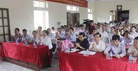 Bo truong Dinh Tien Dung tiep xuc cu tri phuong Phuc Thanh, TP. Ninh Binh - Anh 4