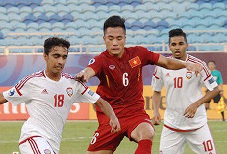 U19 Viet Nam chia diem voi UAE trong the thiet quan - Anh 7