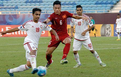 U19 Viet Nam chia diem voi UAE trong the thiet quan - Anh 8