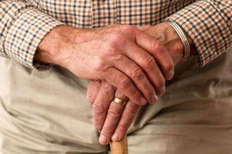 Dau hieu canh bao som cua benh Parkinson - Anh 1