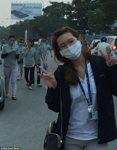 Scandal Samsung lan toi nha may rap pin cho Galaxy Note 7 o Viet Nam - Anh 19