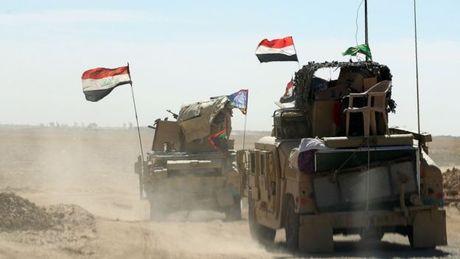 Tran chien Mosul: Khoang 34.000 linh Iraq va nguoi Kurd vay ham quan IS - Anh 1