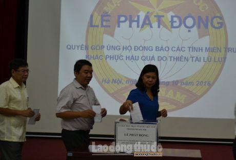 Uy ban MTTQ TP Ha Noi keu goi nguoi dan ung ho dong bao mien Trung - Anh 2