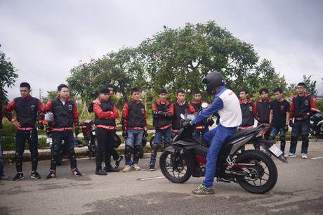 Honda Winner 150 tiep tuc gay an tuong trong chang chinh phuc cuc Dong - Anh 13