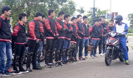 Honda Winner 150 tiep tuc gay an tuong trong chang chinh phuc cuc Dong - Anh 2