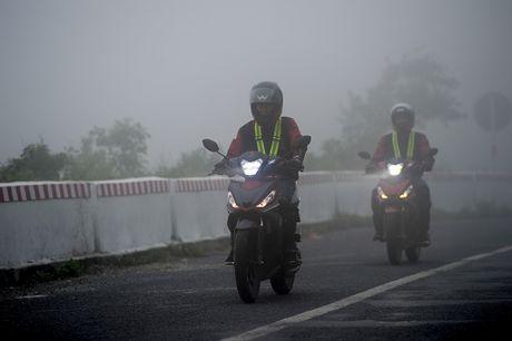 Honda Winner 150 tiep tuc gay an tuong trong chang chinh phuc cuc Dong - Anh 50