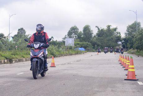 Honda Winner 150 tiep tuc gay an tuong trong chang chinh phuc cuc Dong - Anh 6