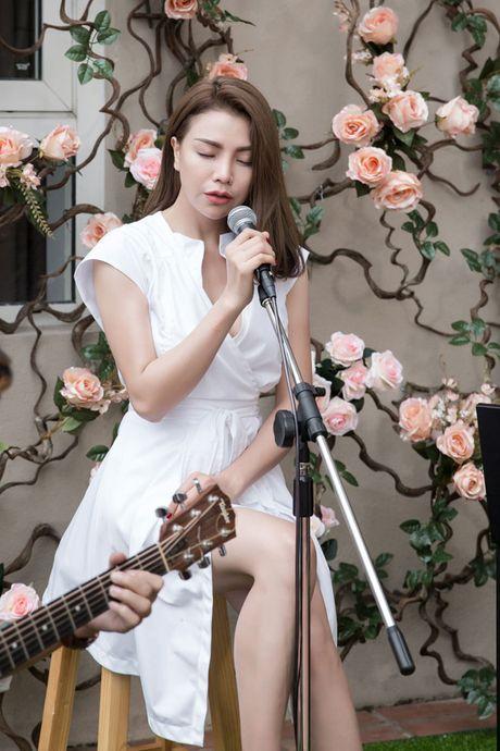 Tra Ngoc Hang ra MV chi... 10 trieu dong - Anh 6