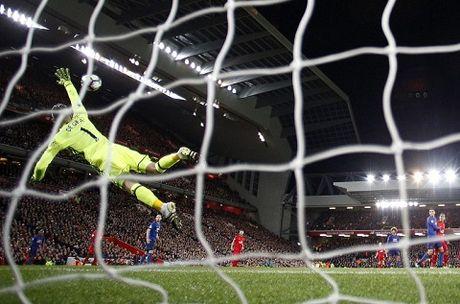 Nhung diem nhan sau tran derby day toan tinh giua M.U va Liverpool - Anh 5