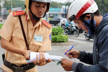 'Xe tu than' cho ton thep van tung hoanh khu Cho Lon - Anh 3