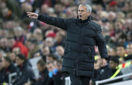 Man Utd rum ro phong ngu, Mourinho van cao giong sau tran hoa Liverpool - Anh 2