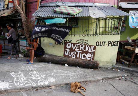 Chum anh: Noi dau phia sau chien dich chong ma tuy khien hon 3.000 nguoi chet tai Philippines - Anh 13