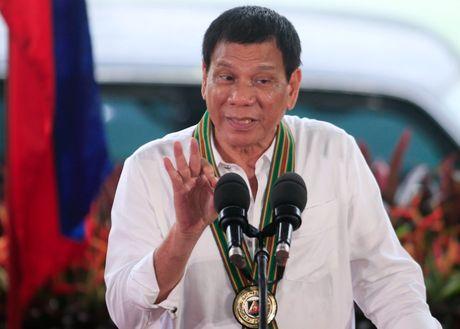Tong thong Duterte muon Philippines tap tran voi Nga, Trung - Anh 1