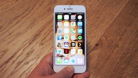 Apple da tim ra loi giai cho thoi luong pin tren iPhone 8 - Anh 1