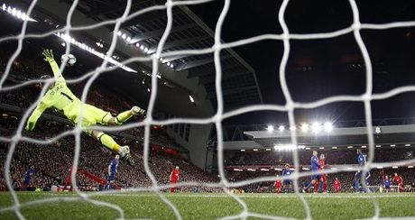 Liverpool 0-0 Man United: De Gea giup 'Quy do' roi Anfield voi 1 diem - Anh 4