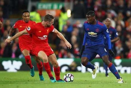 Pogba va 6 thong ke SIEU TE trong tran Man United hoa Liverpool - Anh 3
