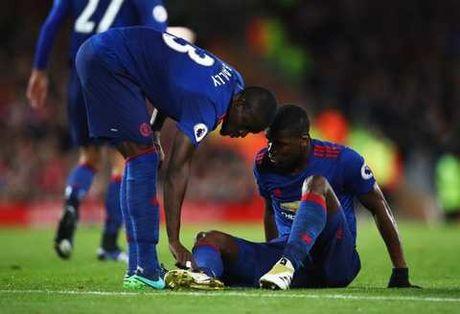 Pogba va 6 thong ke SIEU TE trong tran Man United hoa Liverpool - Anh 5