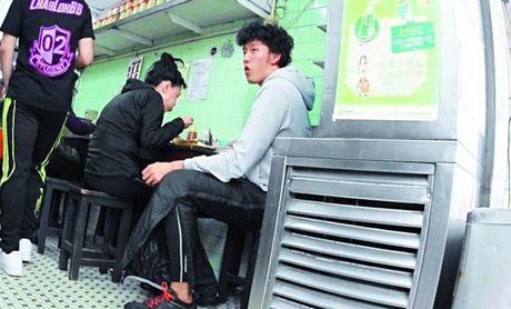 Lo anh hiem nguoi con nuoi se huong 163 trieu USD thua ke tu Chau Nhuan Phat - Anh 1