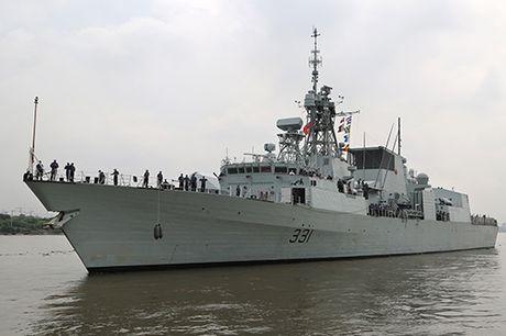 Chiến hạm Hải quân Canada thăm Việt Nam