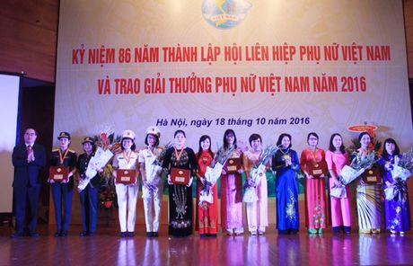 Nhieu hoat dong y nghia nhan Ngay Phu nu Viet Nam - Anh 1