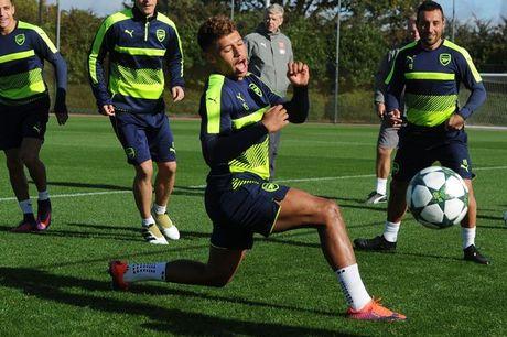 Sao Arsenal can hoc hoi nhieu thu tu Theo Walcott - Anh 1