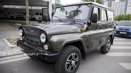Chi tiet xe SUV Uaz Hunter re hon Kia Morning tai Viet Nam - Anh 1