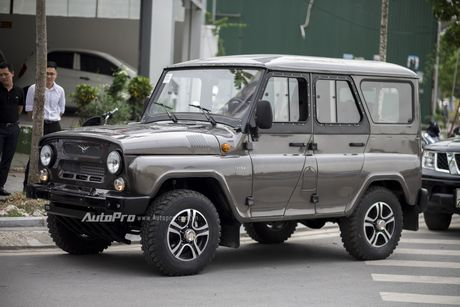 Chi tiet xe SUV Uaz Hunter re hon Kia Morning tai Viet Nam - Anh 3
