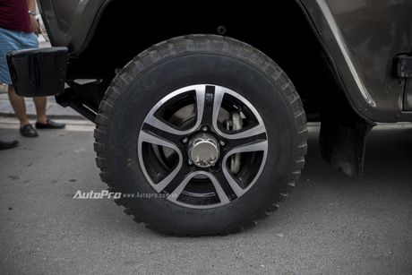 Chi tiet xe SUV Uaz Hunter re hon Kia Morning tai Viet Nam - Anh 8