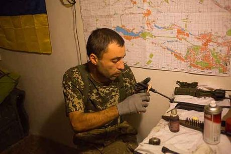 Can canh 'quan tinh nguyen' Ukraine ngoai chien tuyen - Anh 11